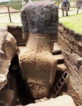 مجسمه های که گمان میرفت نیمه تنه باشند